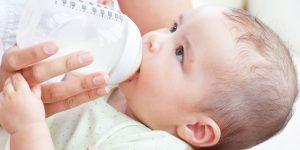 El reflujo gastroesofágico en bebés: Tratamiento natural con fisioterapia