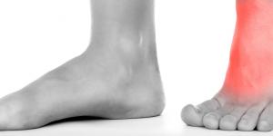 Dolor en la parte superior del pie