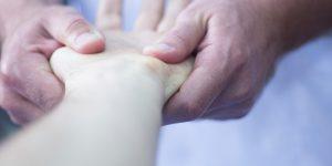 Tratamiento para la tendinitis de Quervain con Fisioterapia